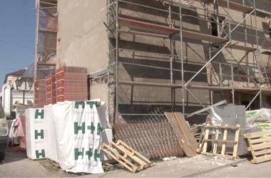 Kamienica przy ulicy Zamurowej 10 w trakcie rewitalizacji